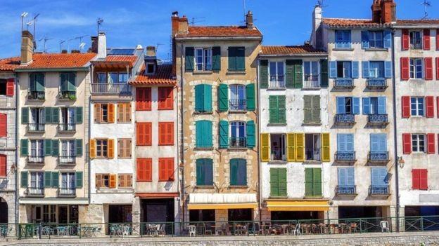 Bayonne faz parte do País Basco da França e tem menos de 300 mil habitantes (Foto: Alamy)