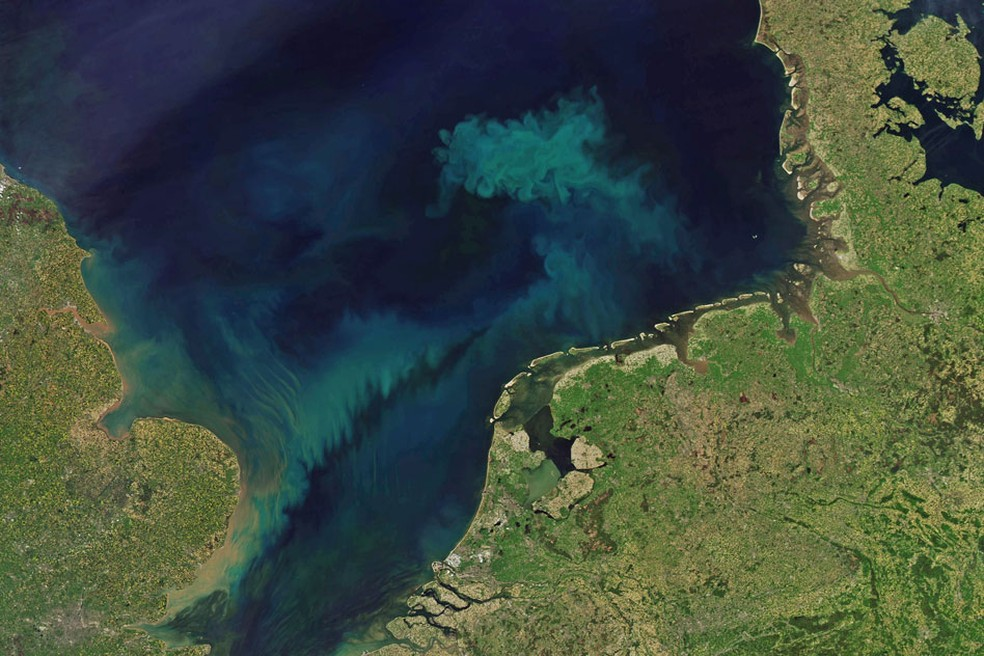 Além das mudanças no azul dos oceanos, também é provável que vejamos mudanças na área verde — Foto: Nasa