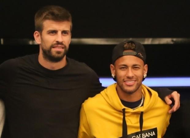 Piqué e Neymar: torneio de pôquer (Foto: Backgrid)