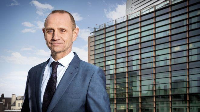 Evan Davis é apresentador de rádio da BBC e foi editor de economia da BBC News (Foto: Divulgação)