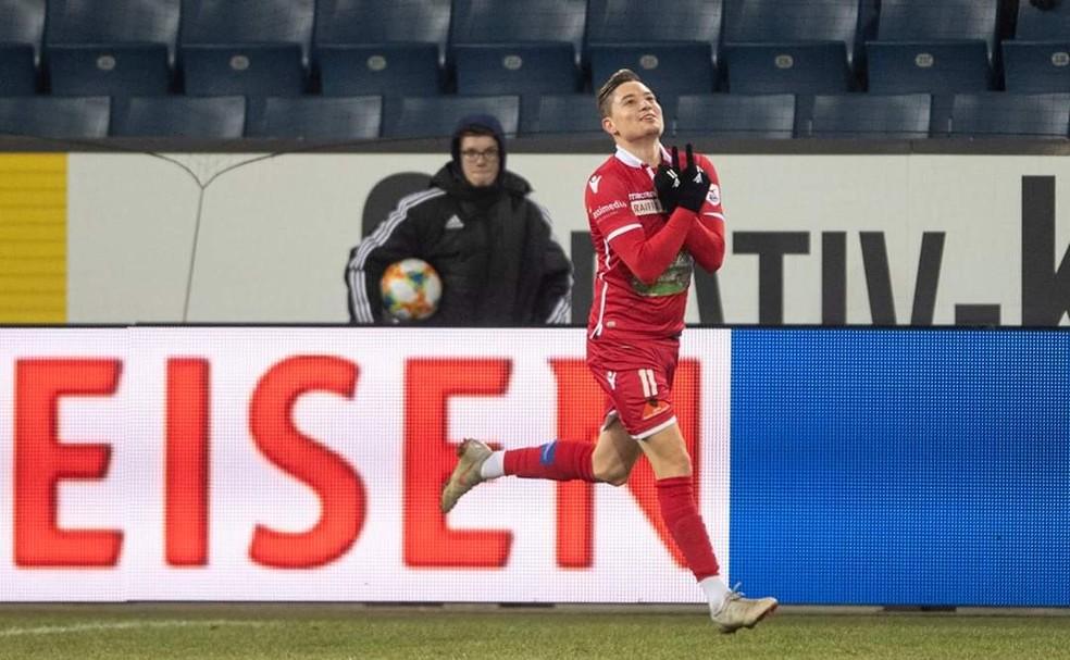 Adryan comemora gol com a camisa do Sion sobre o Luzern — Foto: Reprodução