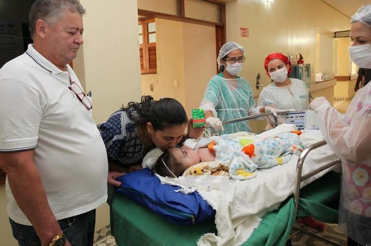 Após quase 1 mês, crianças com AME que tiveram remédios furtados de hospital no AC tomam última dose