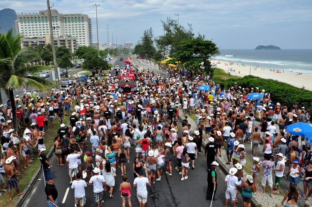 Fotografia do Bloco e Daí?, na Barra da Tijuca, em 2012 — Foto: Alexandre Macieira/Riotur
