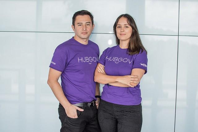 Lançamento Programa Hub Gov 2018 - André e Gabriela Tamura, criadores da WeGov (Foto: Divulgação)