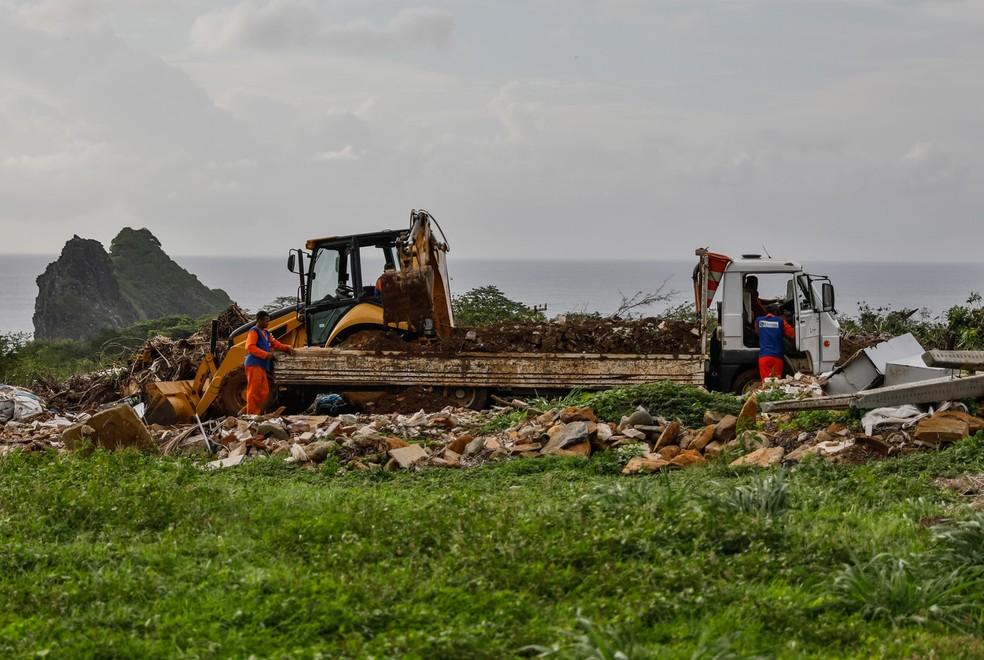 Área onde o lixo de Noronha é tratado: são 220 toneladas, em média, por mês — Foto: Fábio Tito/G1