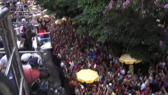 Daniela Mercury canta para multidão na Rua da Consolação