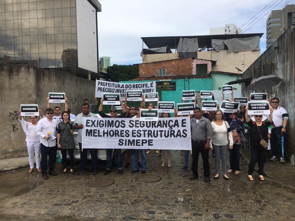 Médicos do Recife fizeram protesto para exigir melhores condições de trabalho (Foto: Tiago Graff/Sindicato dos Médicos de Pernambuco)