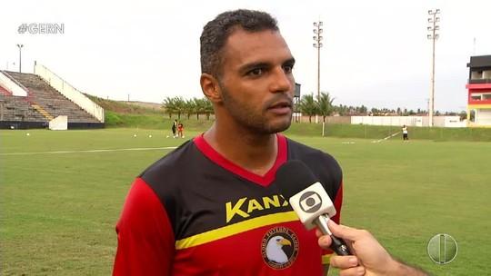 Alexandre, zagueiro do Globo, fala sobre expectativa de jogo contra Atlético-AC