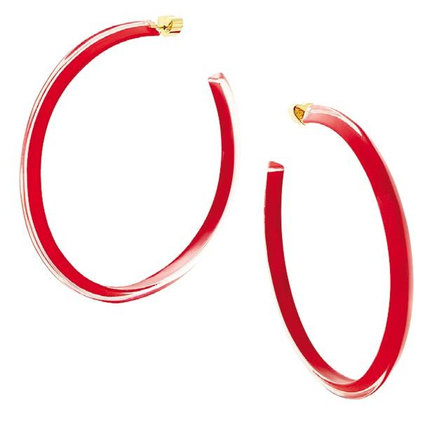 Os jelly hoops Loucite, da joalheria Alison Lou (Foto: Mariano Vivanco/Arquivo Vogue, Rafael Pavarott I/Arquivo Vogue e Reptrodução)
