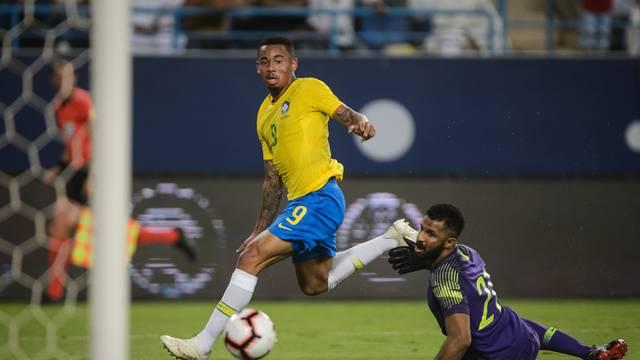 Gabriel Jesus marca Arábia Saudita x Brasil
