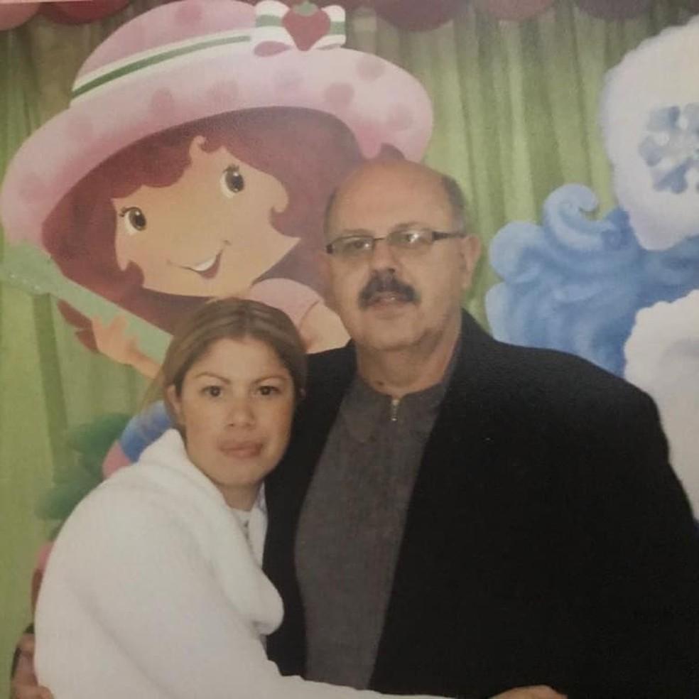 Na mesma manhã, a mãe morreu no hospital por complicações da doença, e o pai infartou em uma agência bancária — Foto: Arquivo pessoal/Felipe Tiago Moraes