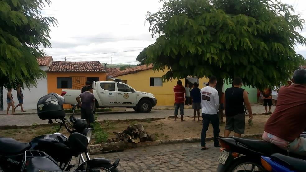 Mãe e filho foram assassinados dentro de casa em Passa e Fica, no RN (Foto: Redes sociais)