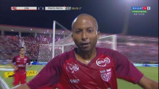 """Artilheiro do CRB, Willians Santana faz belo gol contra a Ponte: """"Tranquilidade"""""""