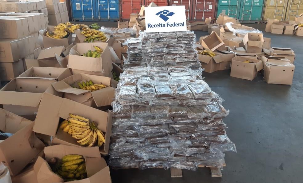Cocaína estava escondida em carga de bananas em Suape, no Grande Recife — Foto: Receita Federal/Divulgação