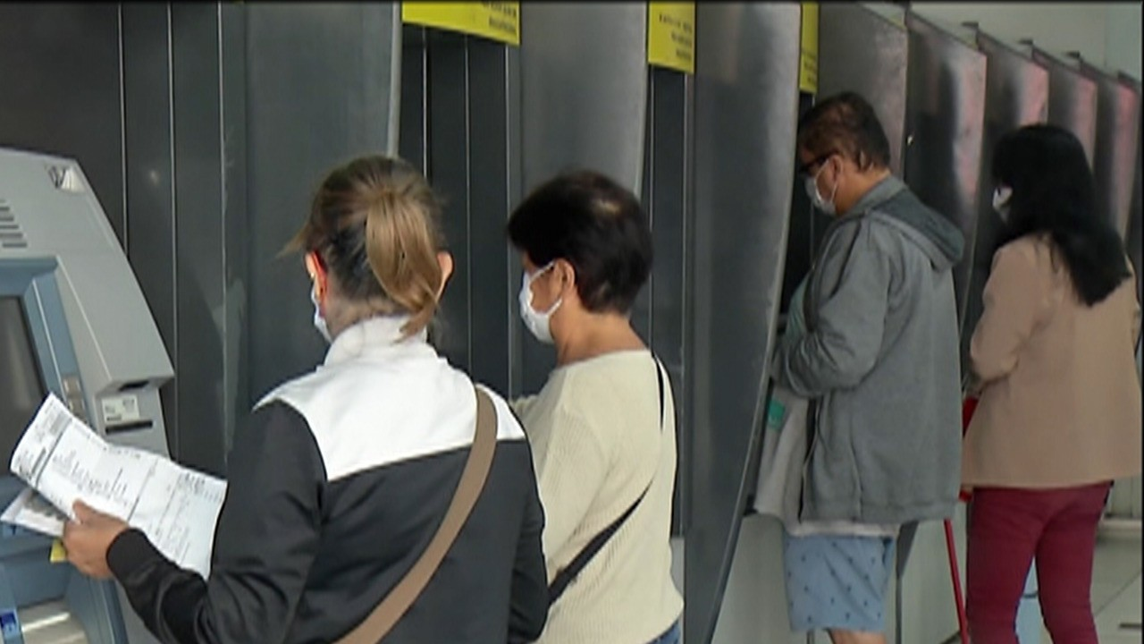 Câmara de Suzano aprova projeto de lei que obriga bancos a instalarem suporte para álcool em gel nos caixas eletrônicos