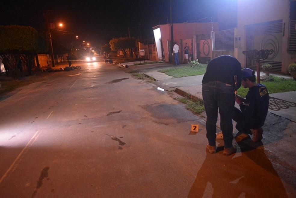 Perícia encontrou cápsula perto do local do ataque em Ariquemes — Foto: Jeferson Sanches/ 190 Urgente