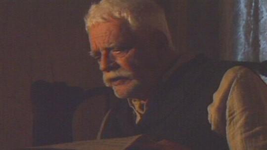 Veja cena de Walmor Chagas como Giuseppe, de 'Esperança'