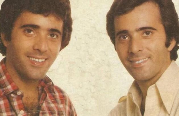 """Em 1981, Tony Ramos viveu os gêmeos Quinzinho e João Victor na novela """"Baila comigo"""". No início da trama, eles não sabiam um da existência do outro (Foto: TV Globo)"""