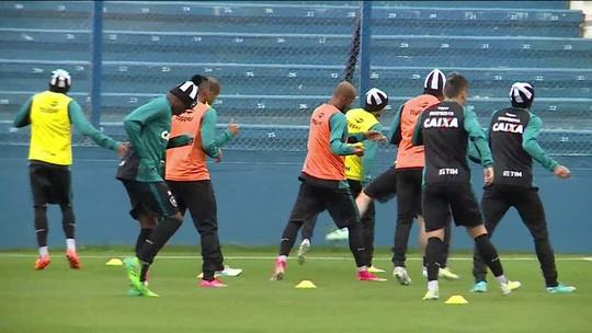 Botafogo se prepara para jogo contra o Nacional em Montevidéu pela Libertadores