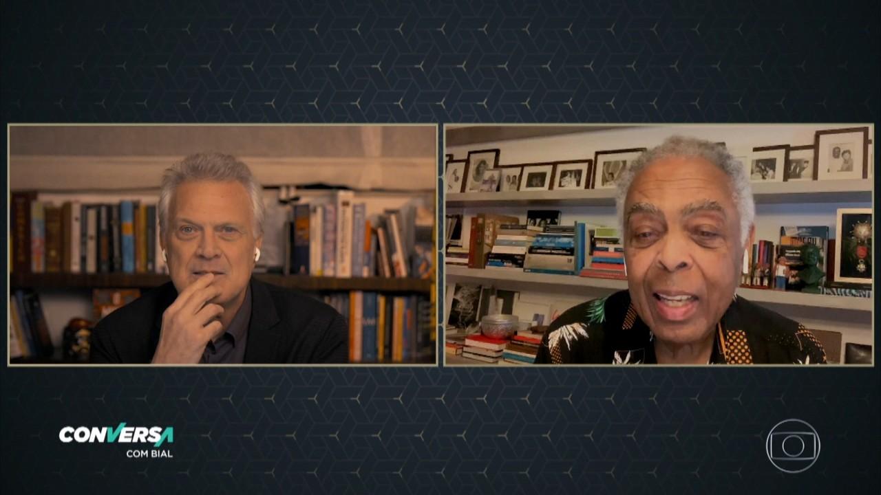 Gil conta que tem rezado por Bolsonaro