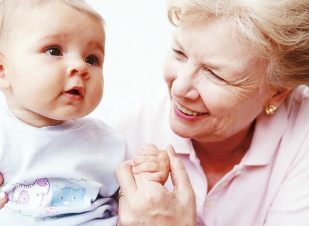 avós com os netos (Foto: ThinkStock)
