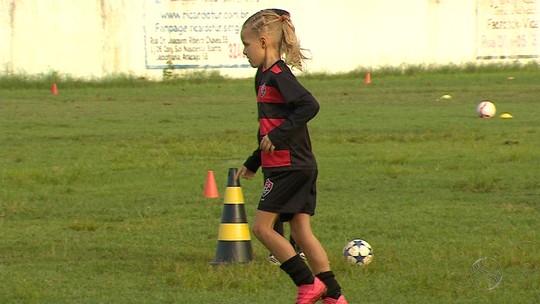 Aos oito anos, sergipana mostra talento, acumula títulos e sonha em seguir carreira nos gramados