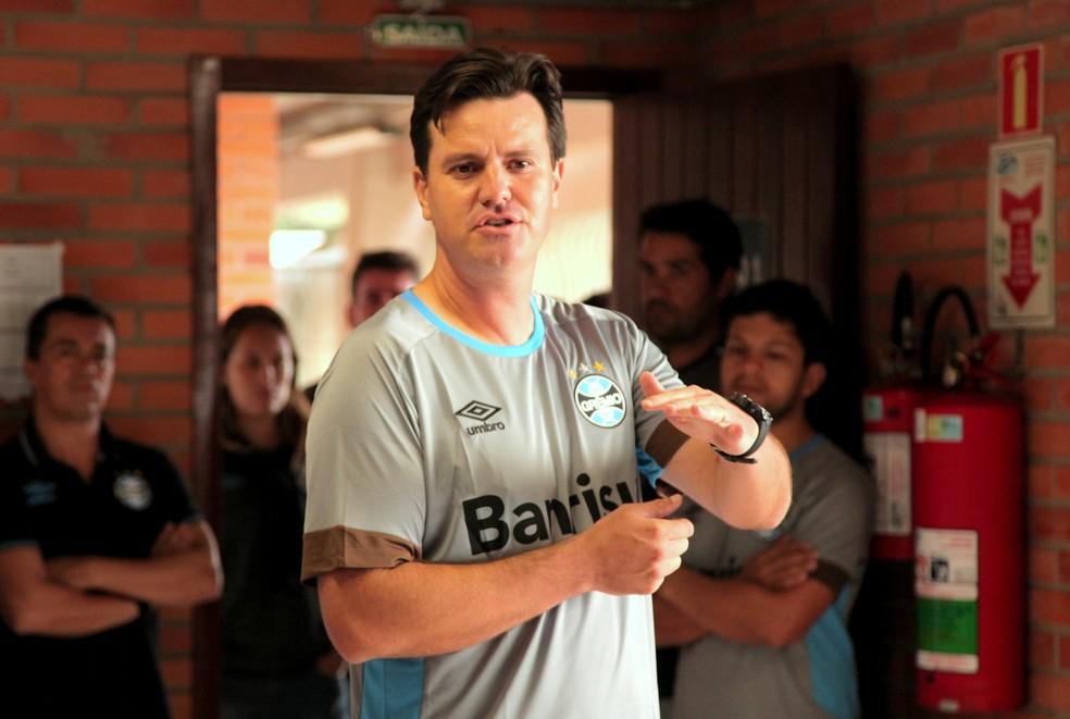 César é natural de Cascavel e tem 40 anos (Foto: Rodrigo Fatturi/Grêmio/Divulgação)