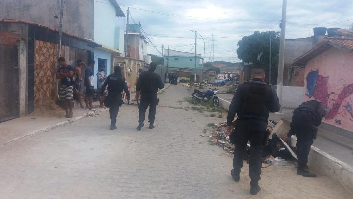 Policiamento é reforçado em bairros de Cabo Frio, RJ, após relatos de tiroteio