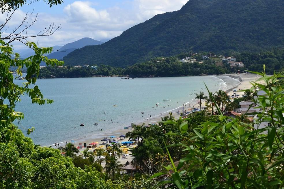 A 224 quilômetros da capital, Ubatuba tem 102 praias e 16 ilhas — Foto: Divulgação