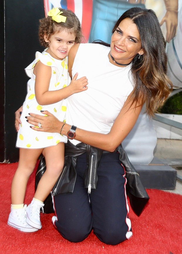Fernanda Motta com a filha, Chloe (Foto: Manuela Scarpa/Brazil News)