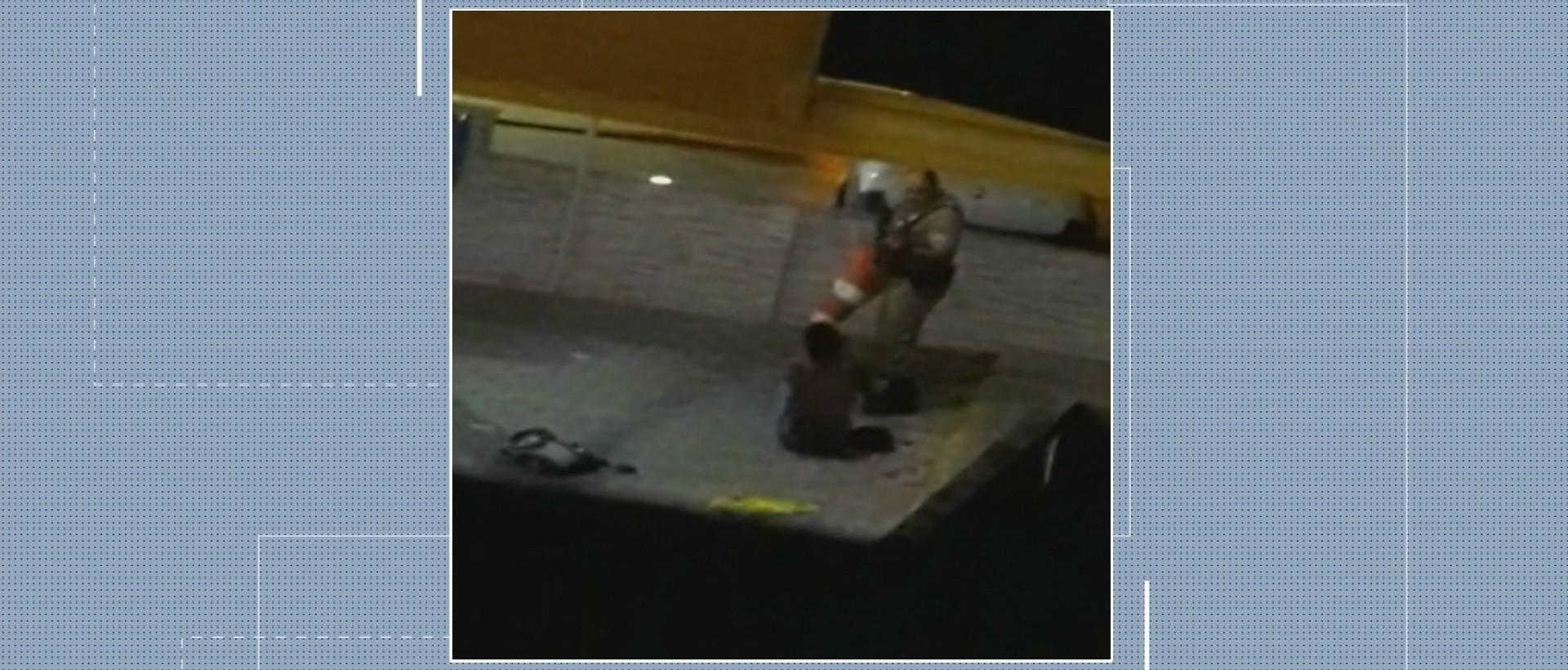 Vídeo mostra agressão de policial contra morador de rua em SC - Radio Evangelho Gospel