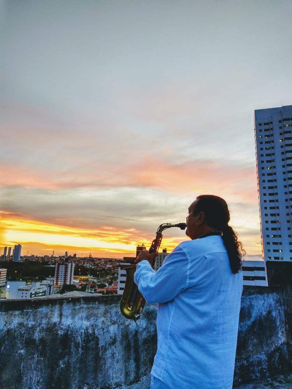 Veja a agenda de lives de artistas da Paraíba nesta quarta-feira, 27 de maio