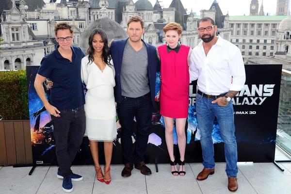 O cineasta James Gunn com os proatgonistas de Guardiões da Galáxia: Zoe Saldana, Chris Pratt, Karen Gillan e David Bautista (Foto: Getty Images)