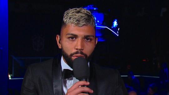 """Gabigol destaca """"abraço"""" da torcida do Flamengo, e Caio Ribeiro diz: """"Pensa com carinho"""""""