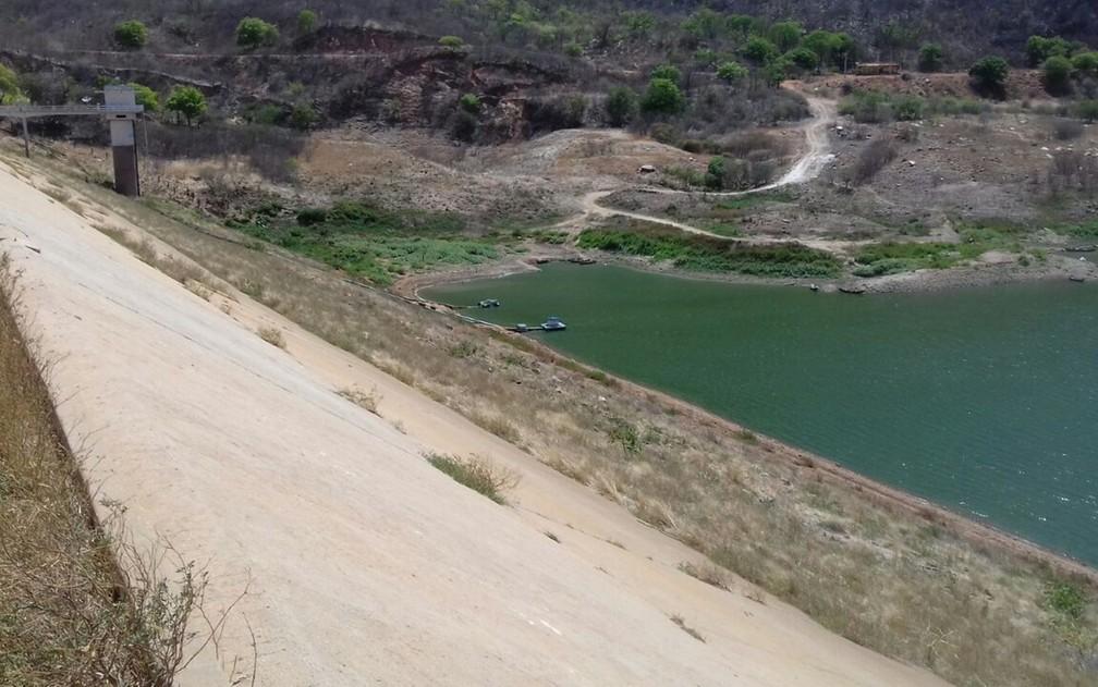 Açude Engenheiro Ávidos, em Cajazeiras, no Sertão da Paraíba (Foto: Beto Silva/TV Paraíba)