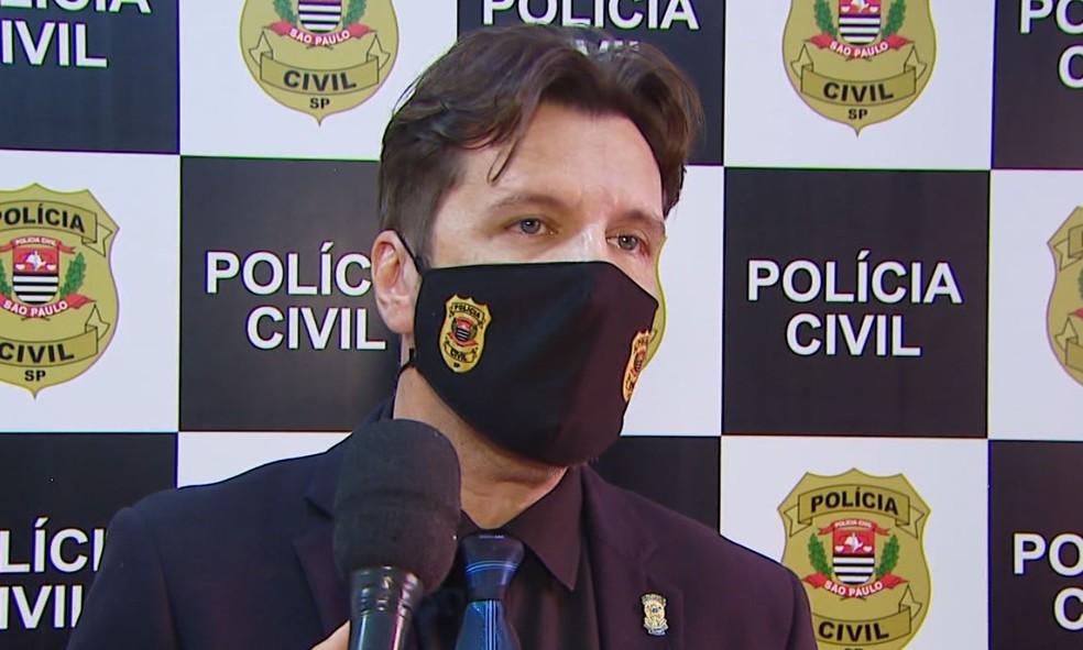 O delegado da DIG, Gilberto de Aquino, falou sobre o crime em São Carlos — Foto: Nilson Porcel/EPTV