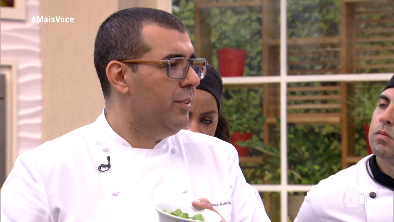 Jefferson Rueda mostra variedades de cortes de carne de porco