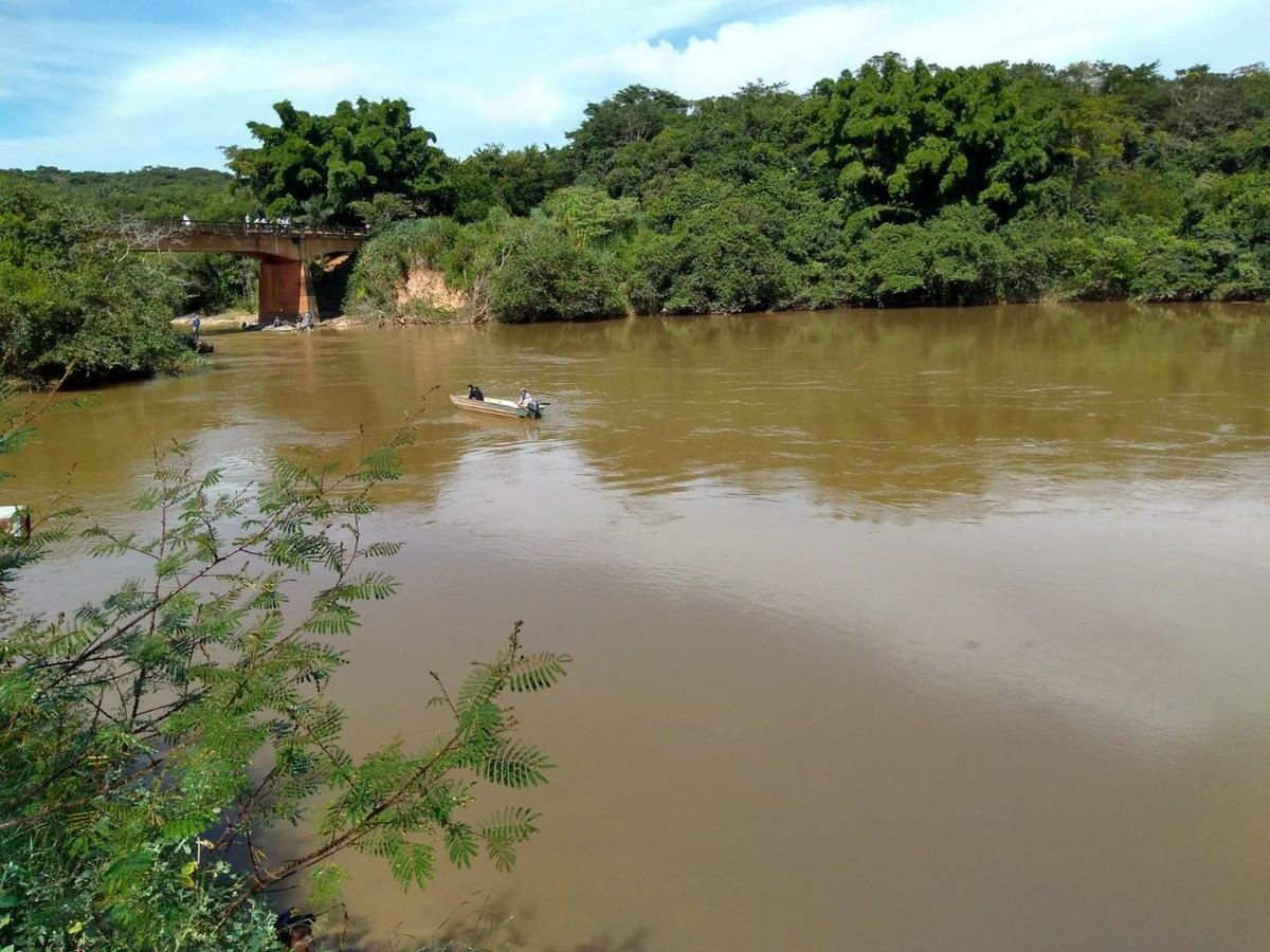 Corpo da mãe que pulou no rio em Araxá para salvar a filha é encontrado