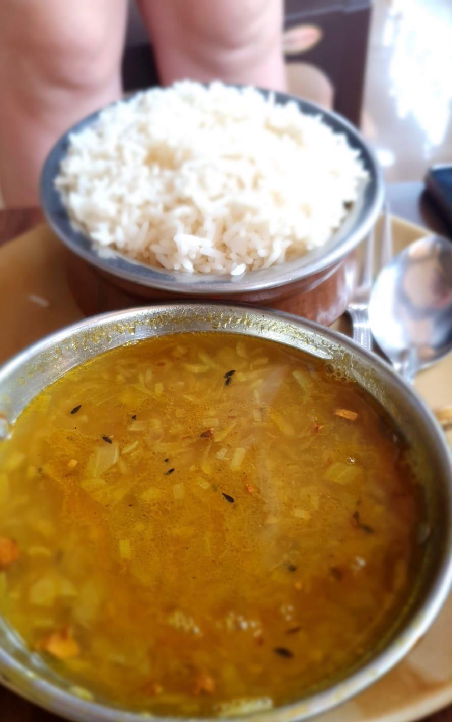Arroz com lentilha: há cinco dias, o único alimento disponível