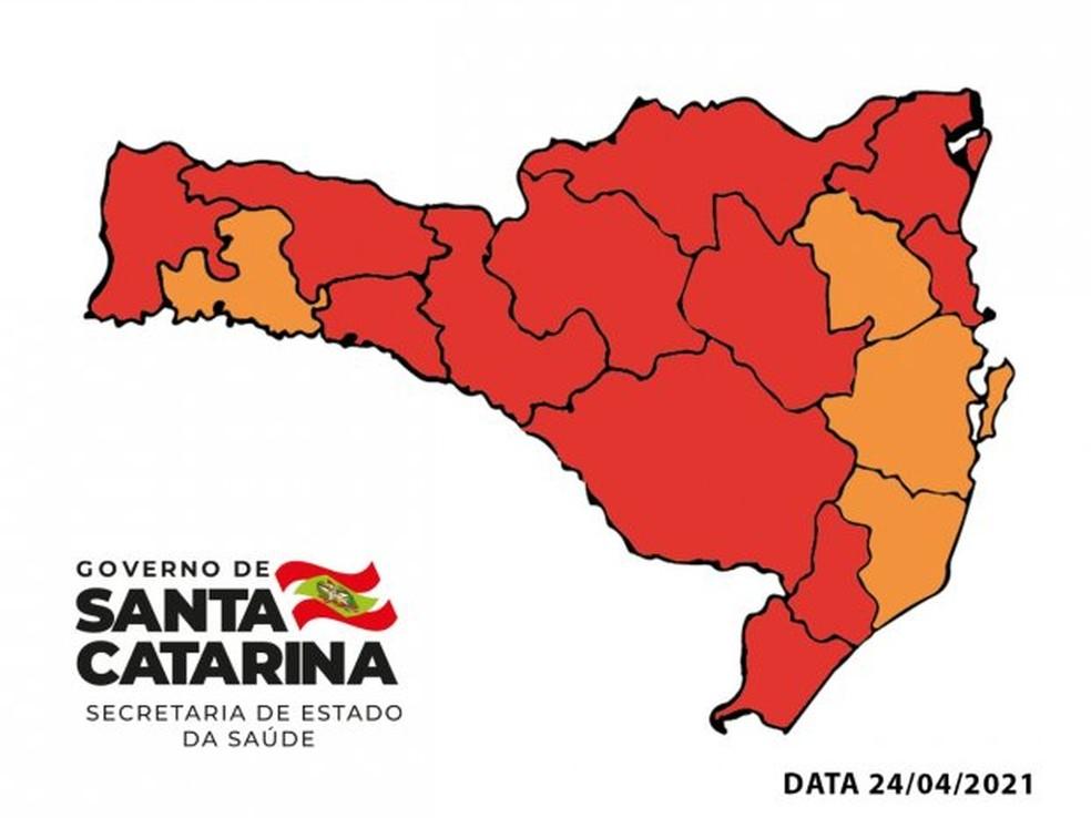 Mapa de risco por região de Santa Catarina divulgado neste sábado (24) — Foto: SES/ Divulgação