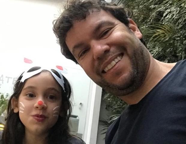 Duda, 8, e o pai Cristiano, 41 (Foto: Arquivo pessoal)