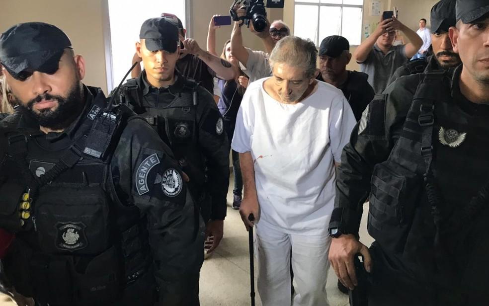 João de Deus chega ao Fórum de Aparecida de Goiânia para interrogatório, em Goiás — Foto: Vitor Santana/G1