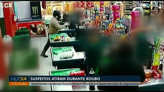 Assaltantes rendem funcionários e clientes de supermercado em Jaguariaíva