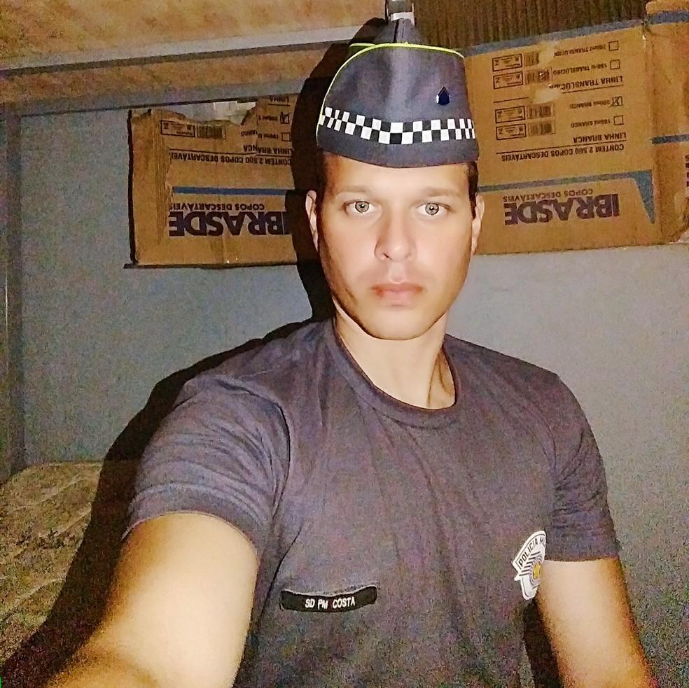 Costa registrou uma foto enquanto esteteve preso em Batalhão da PM (Foto: Reprodução/Arquivo Pessoal)