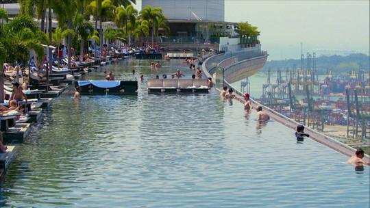 Esse Hotel É uma Viagem: Cingapura tem maior piscina elevada do mundo