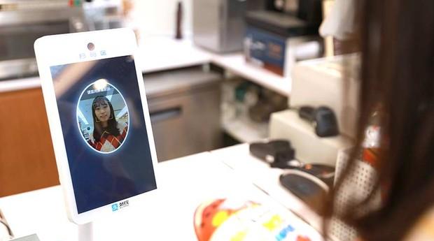 Sistema de pagamento com reconhecimento facial da Alipay (Foto: Divulgação)