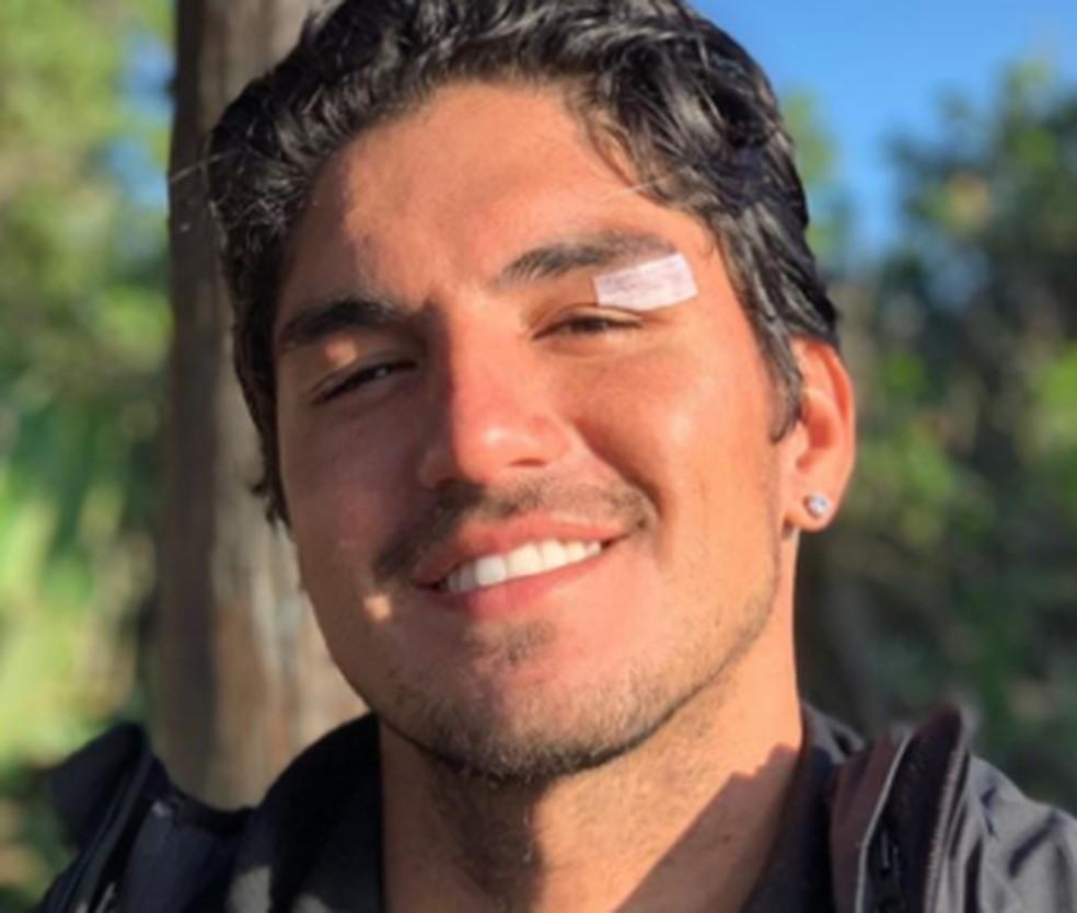 Gabriel Medina fez curativo após sofrer corte em J-Bay — Foto: Reprodução/Instagram