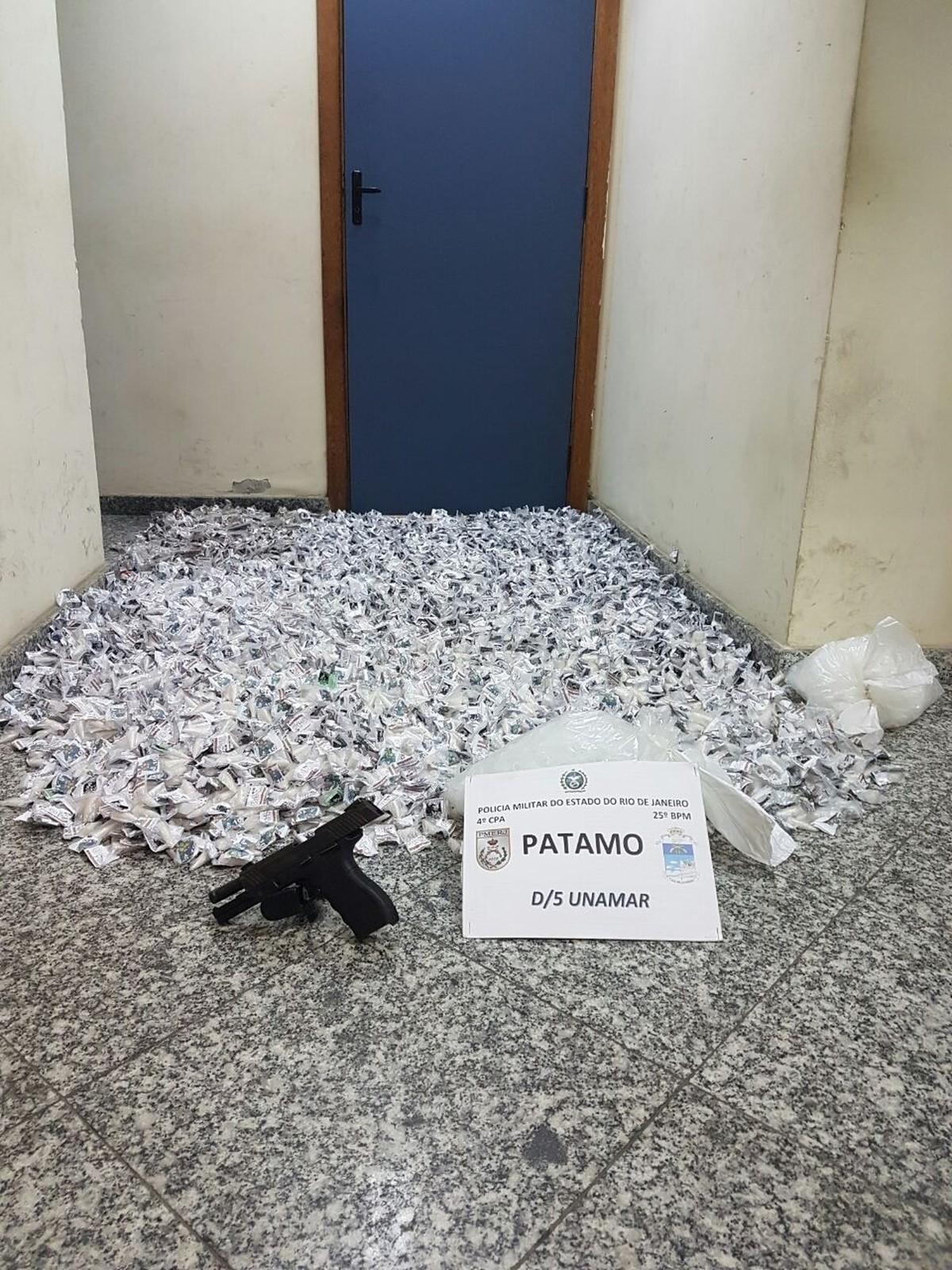 Polícia apreende carga de cocaína e maconha, e detém suspeito em Cabo Frio, no RJ