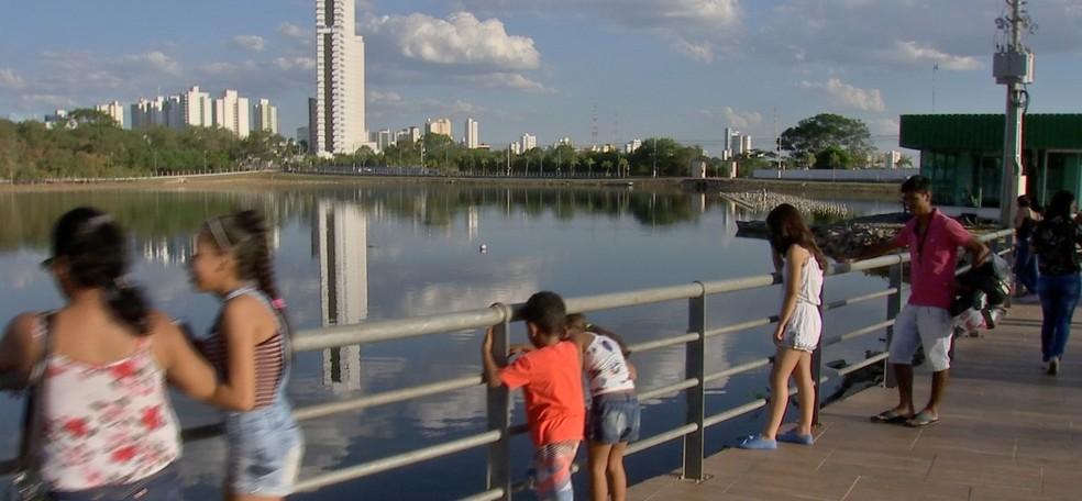 Lagoa onde vivem os jacarés é cercada e parque conta com educadores ambientais em Cuiabá â?? Foto: TV Centro América