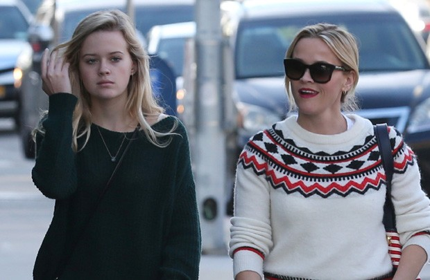 Reese Witherspoon e a filha Ava (Foto: AKM-GSI)